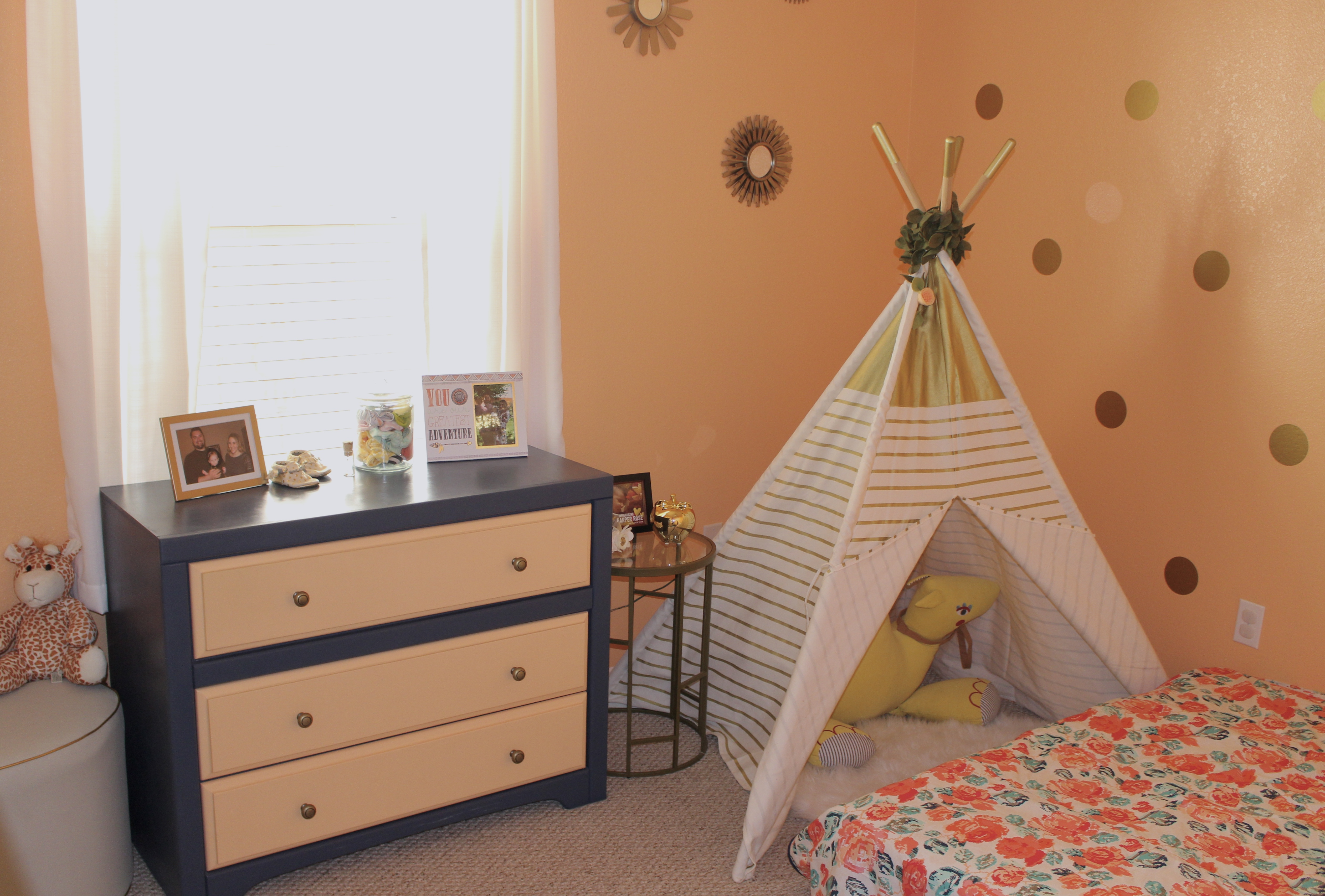 montessori_style_toddler_room