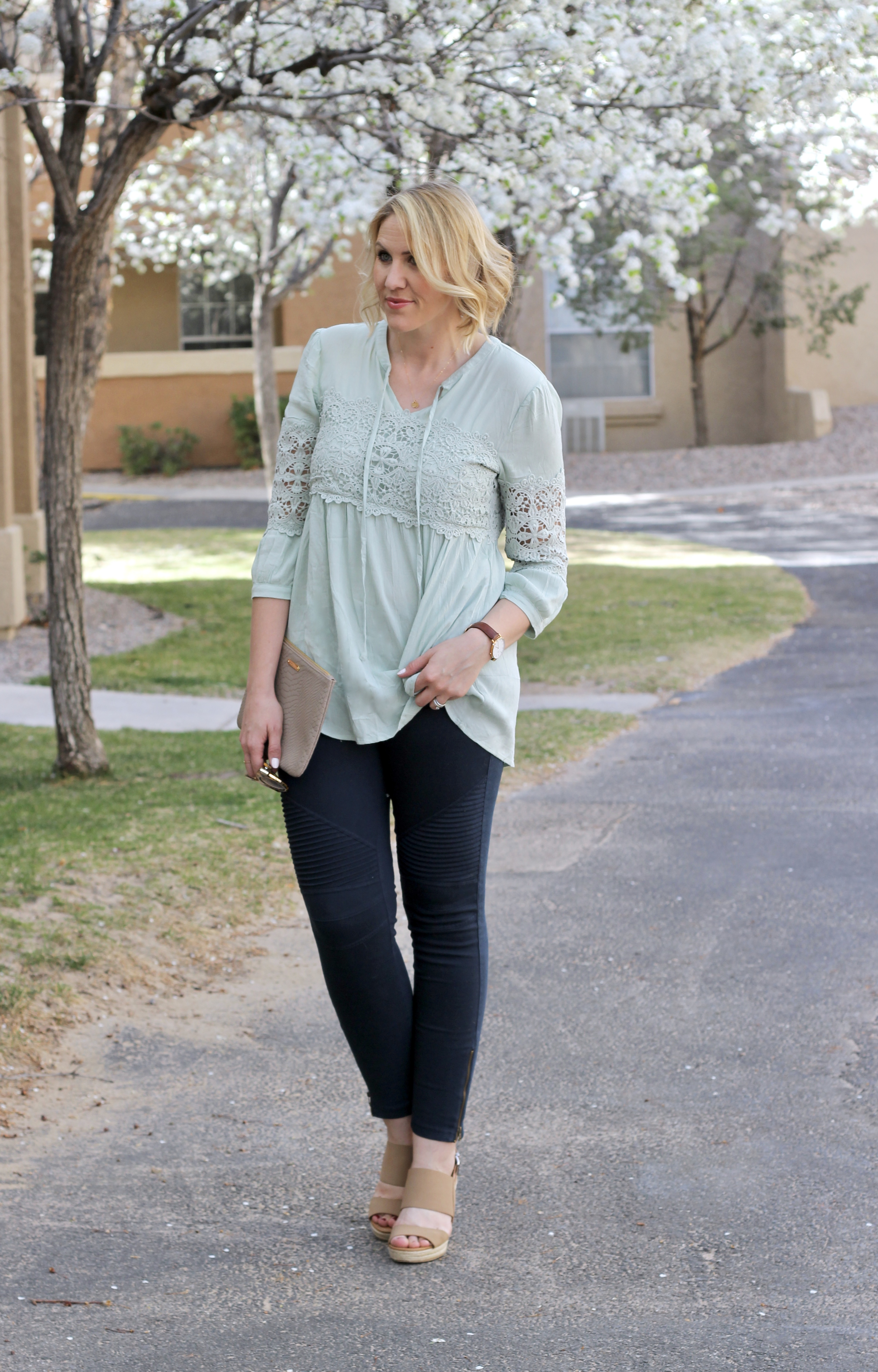 moto_jeggings_lace_top_spring