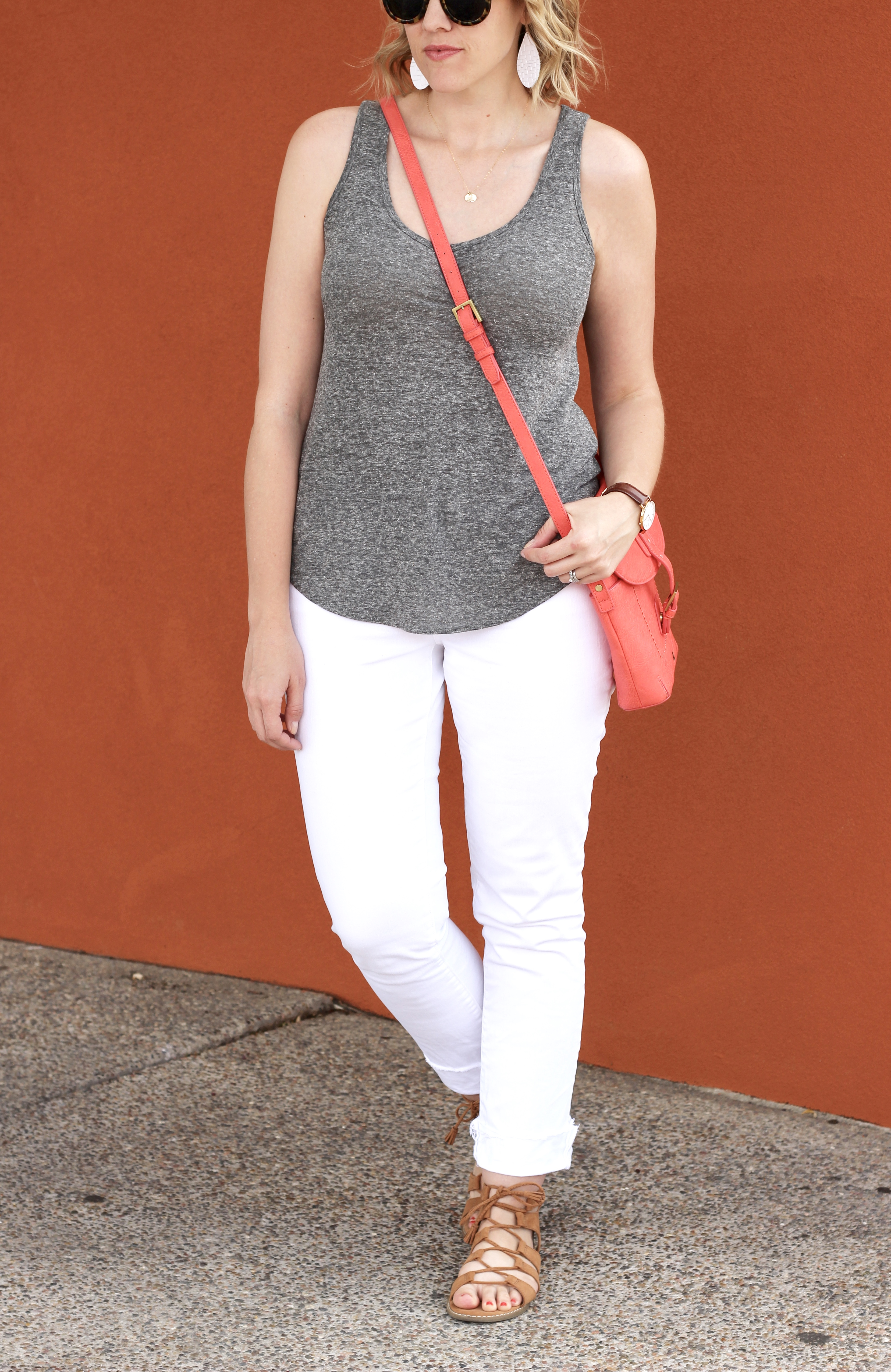 white jeans outfit spring and summer