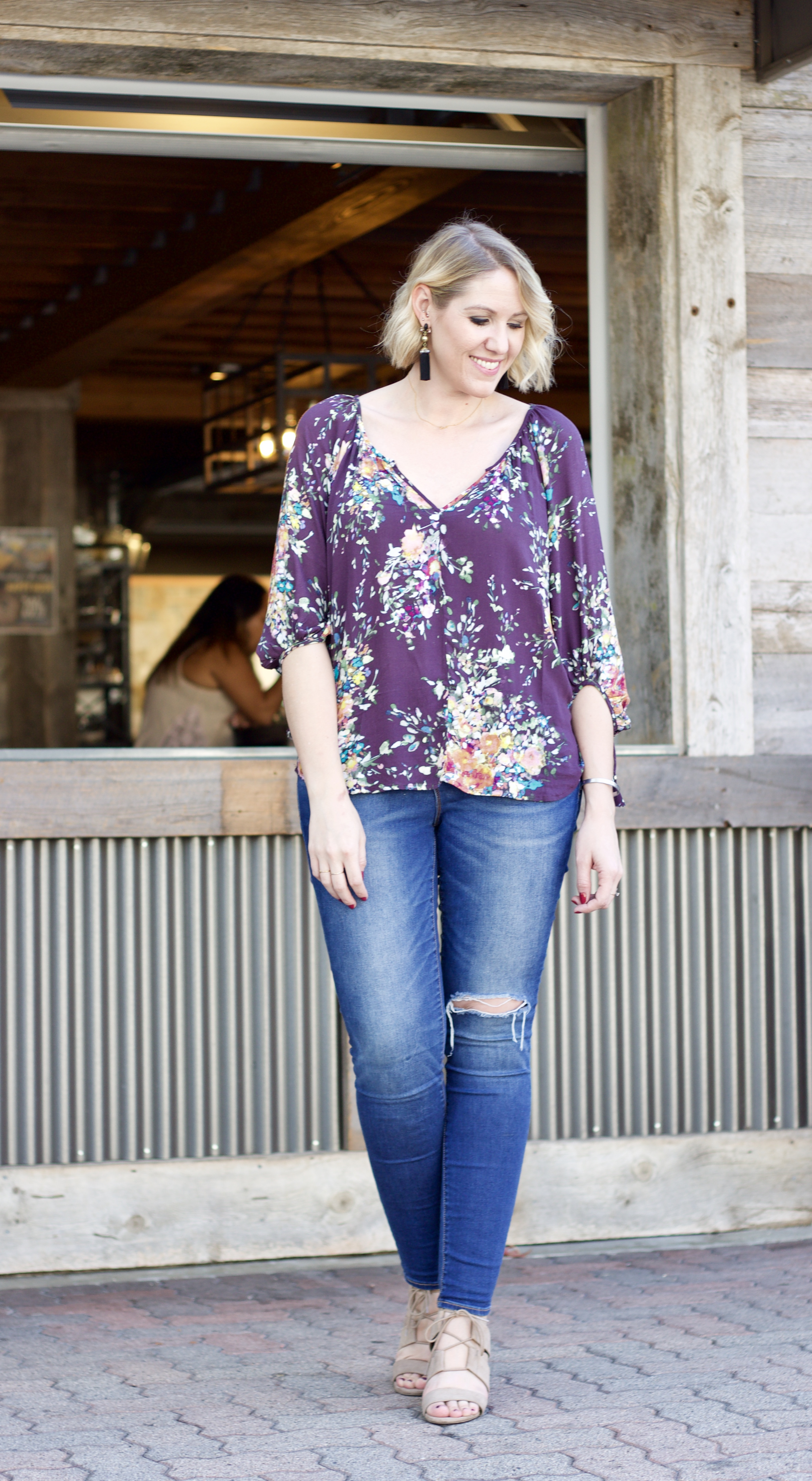 fall outfit inspiration floral blouse