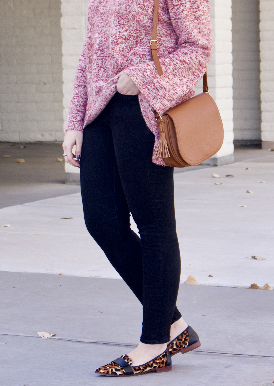 a4cd0dd8 old navy rockstar jeans, curvy girl style #curvy #styletips