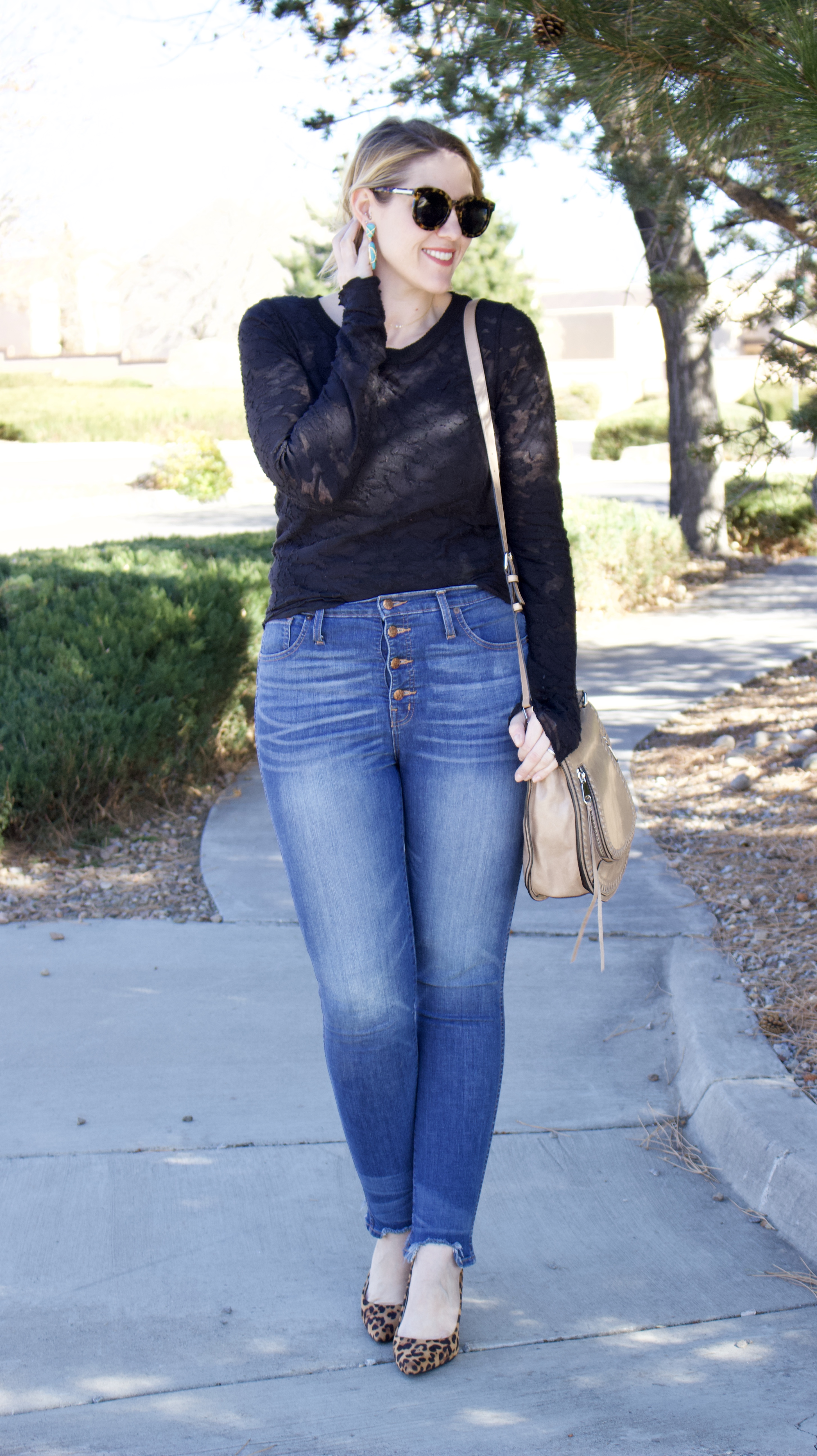 high waisted jeans for date night #highwaistedjeans #madewell #datenightoutfit