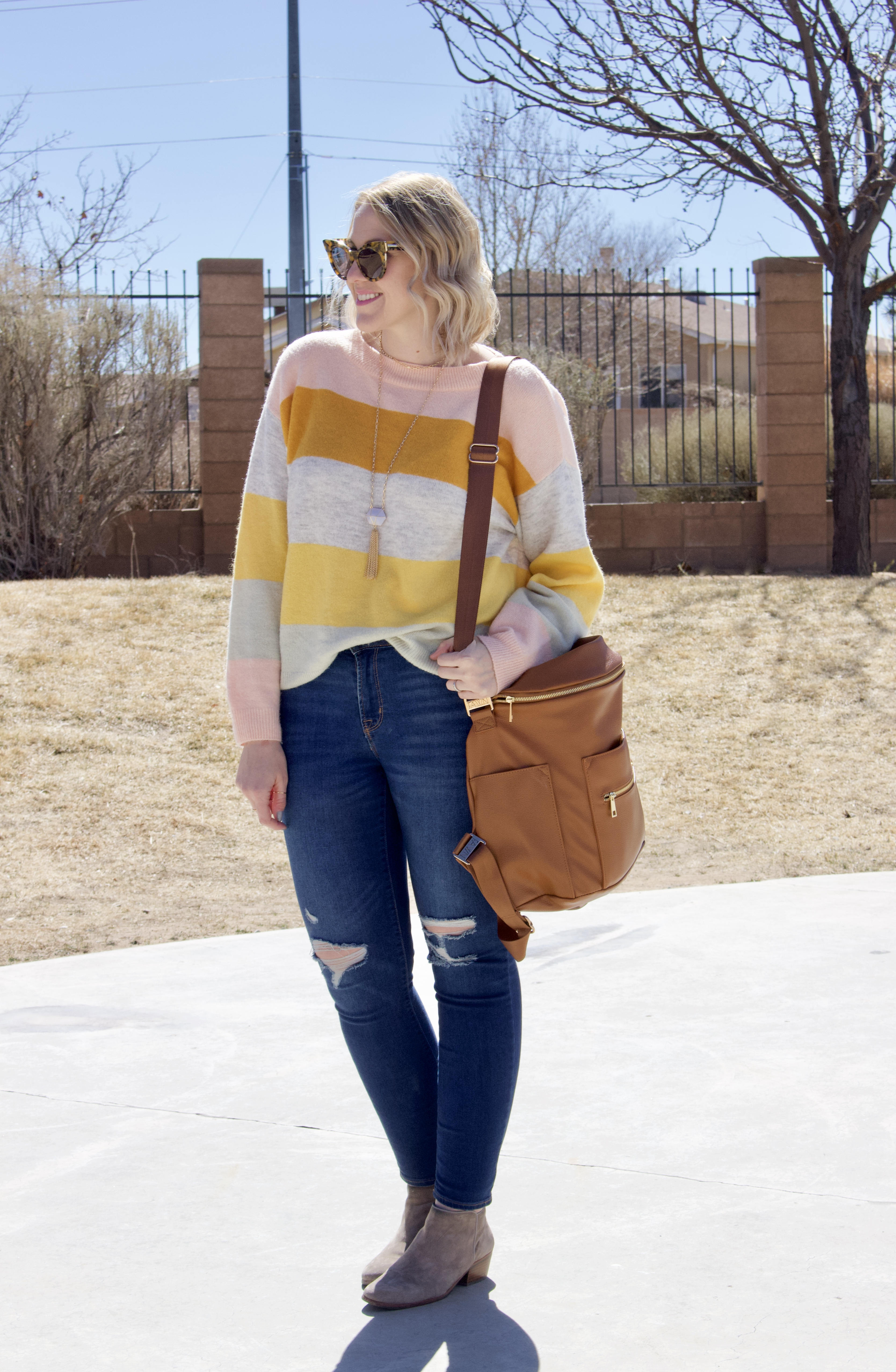 the weekly style edit sweater #stripedsweater #theweeklystyleedit #springoutfit