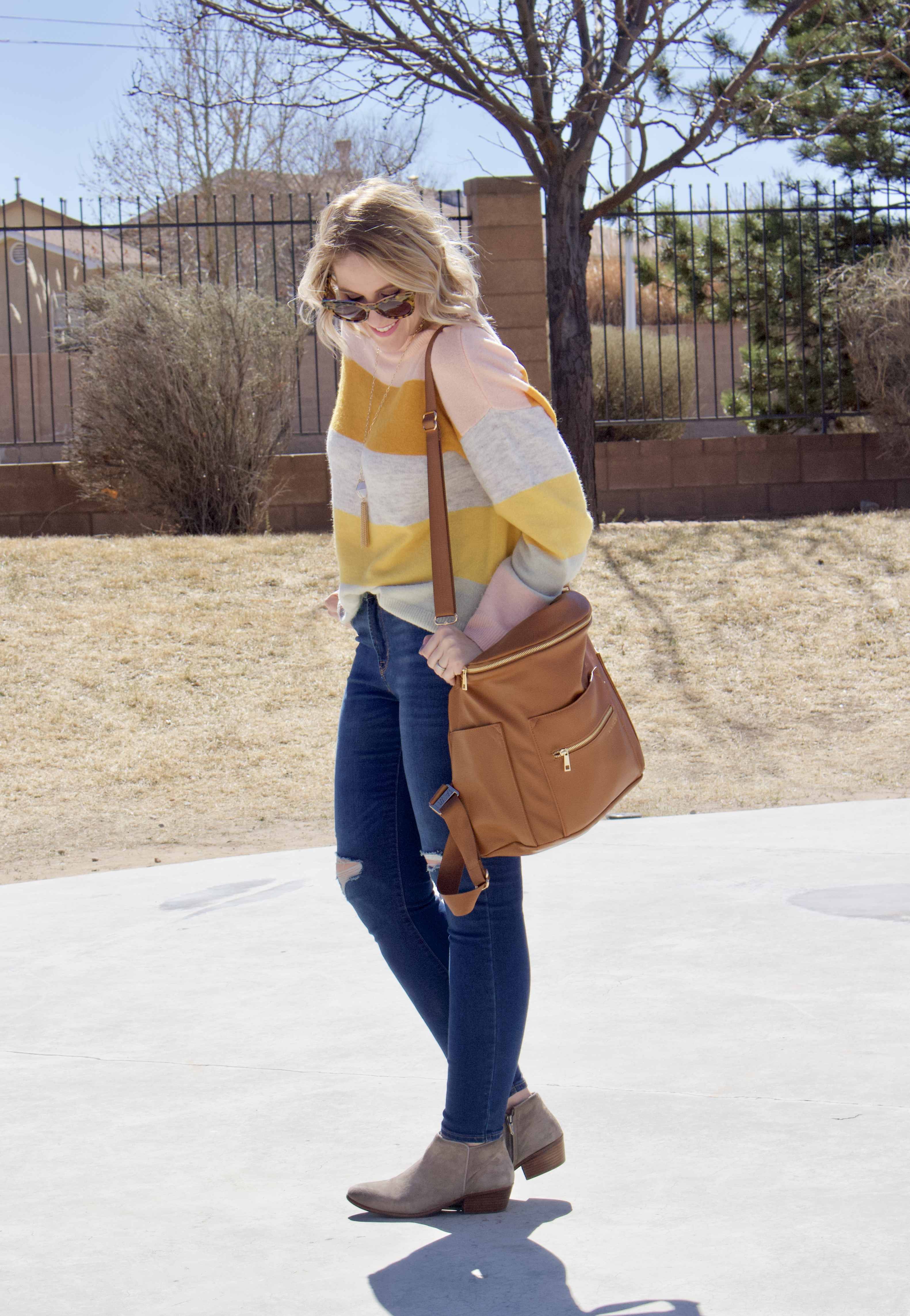winter to spring transitional style #momstyle #fawndesign #oldnavystyle