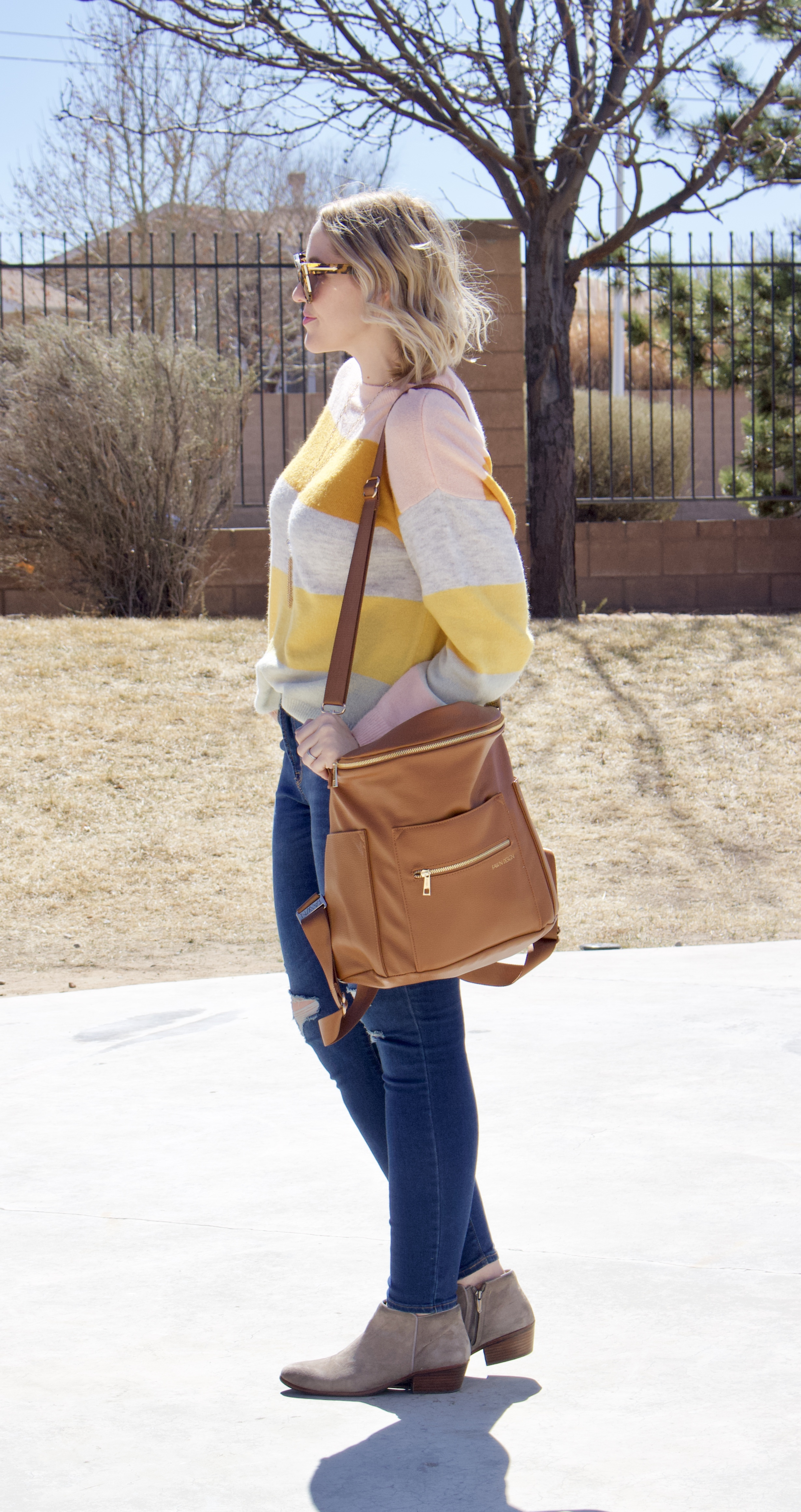 cute mom style striped sweater for spring #momstyle #fawndesign #springstyle