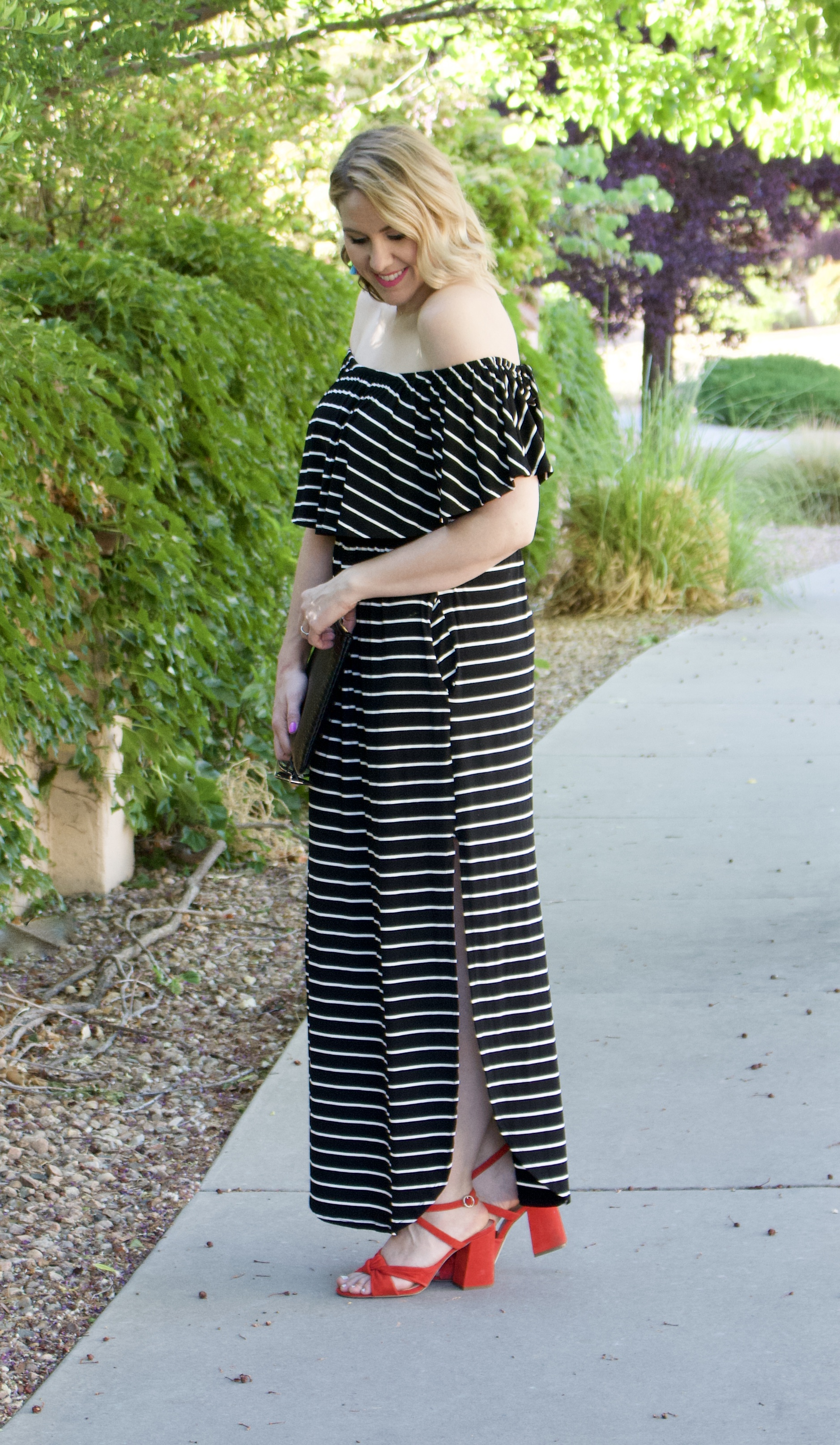 casual summer off the shoulder dress #summer #summeroutfit #maxidress
