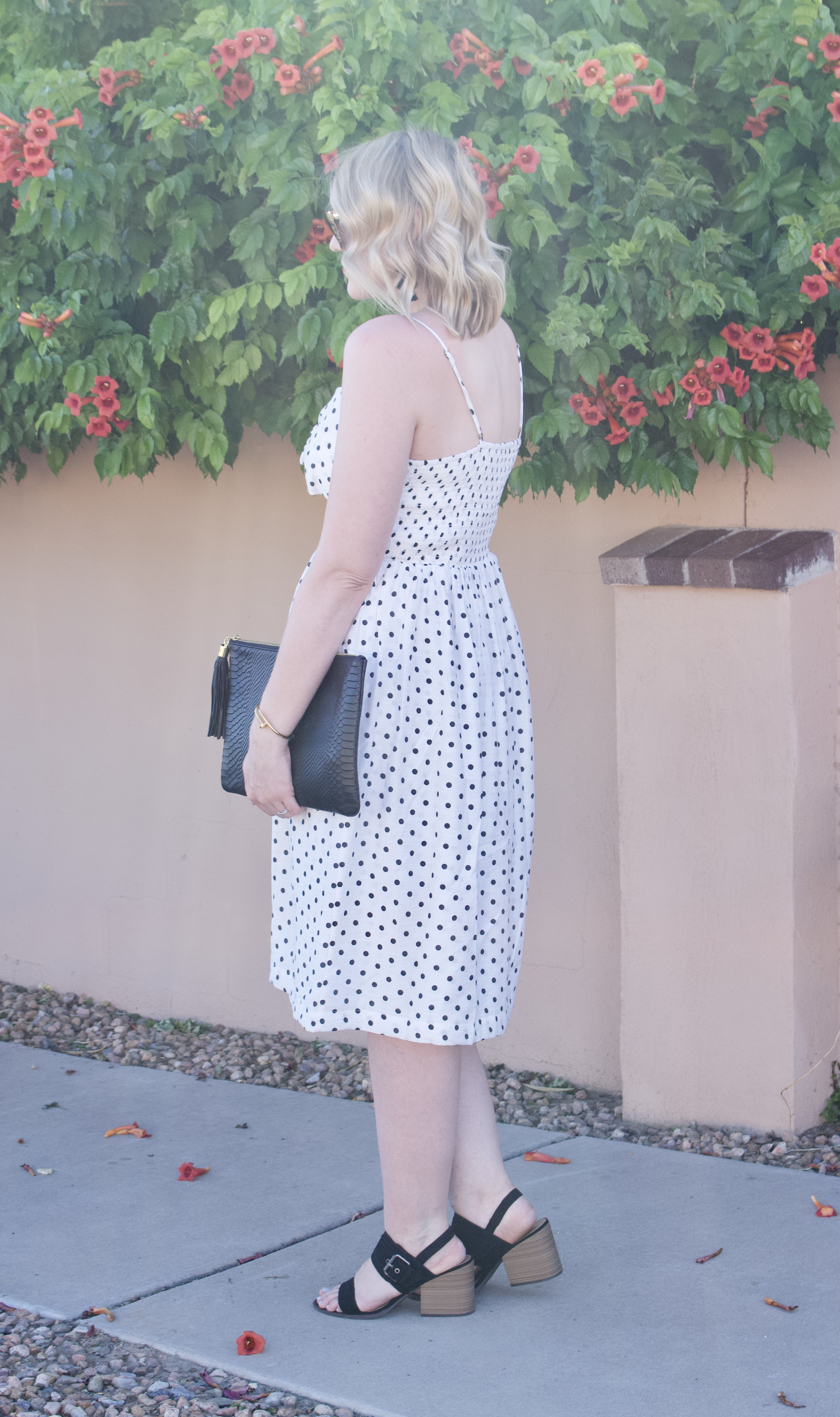 polka dot midi dress date night style #datenight #dress #mididress #summeroutfit