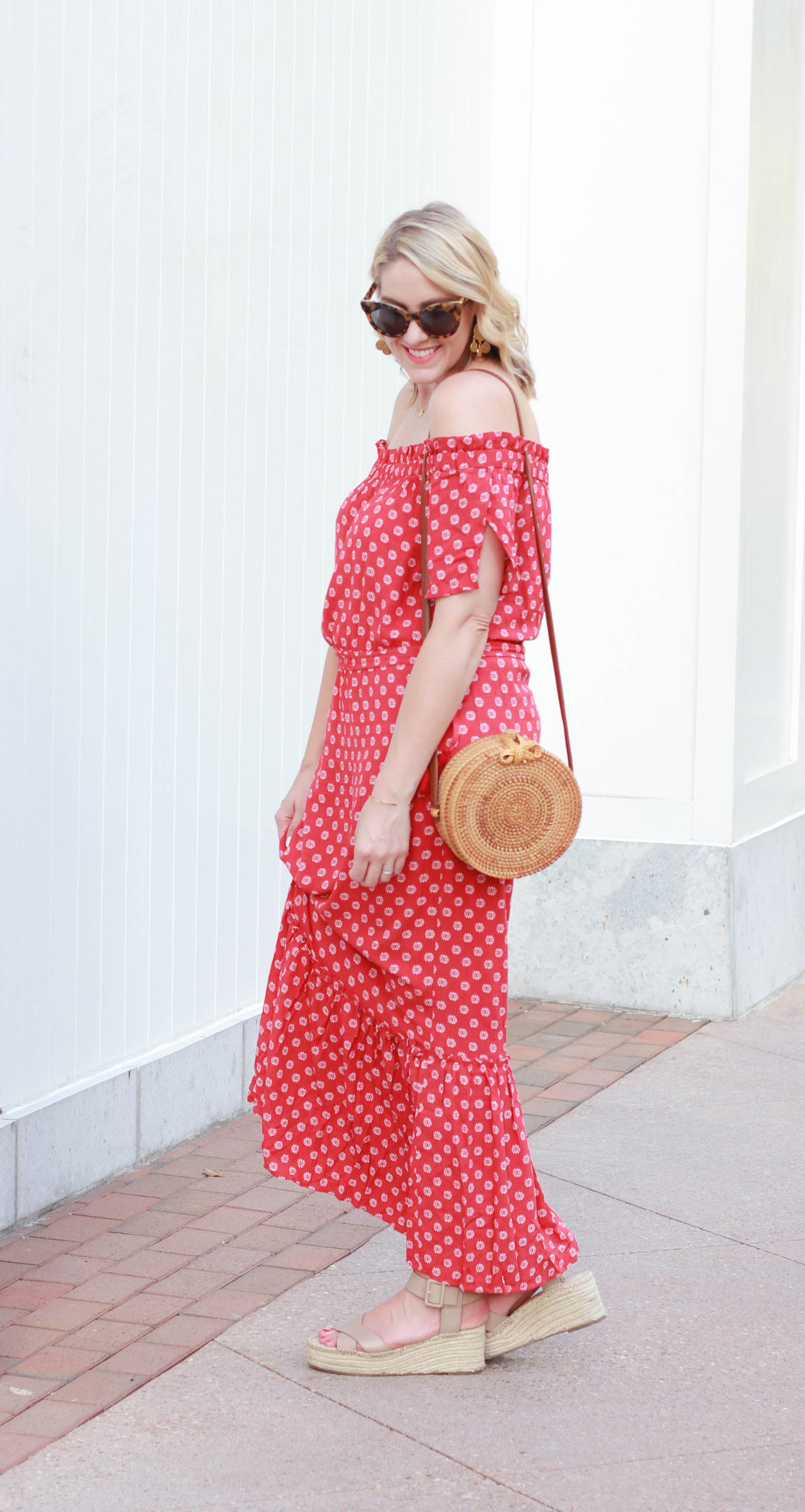 red floral maxi dress #maxidress #summerstyle #bohostyle #styleblogger