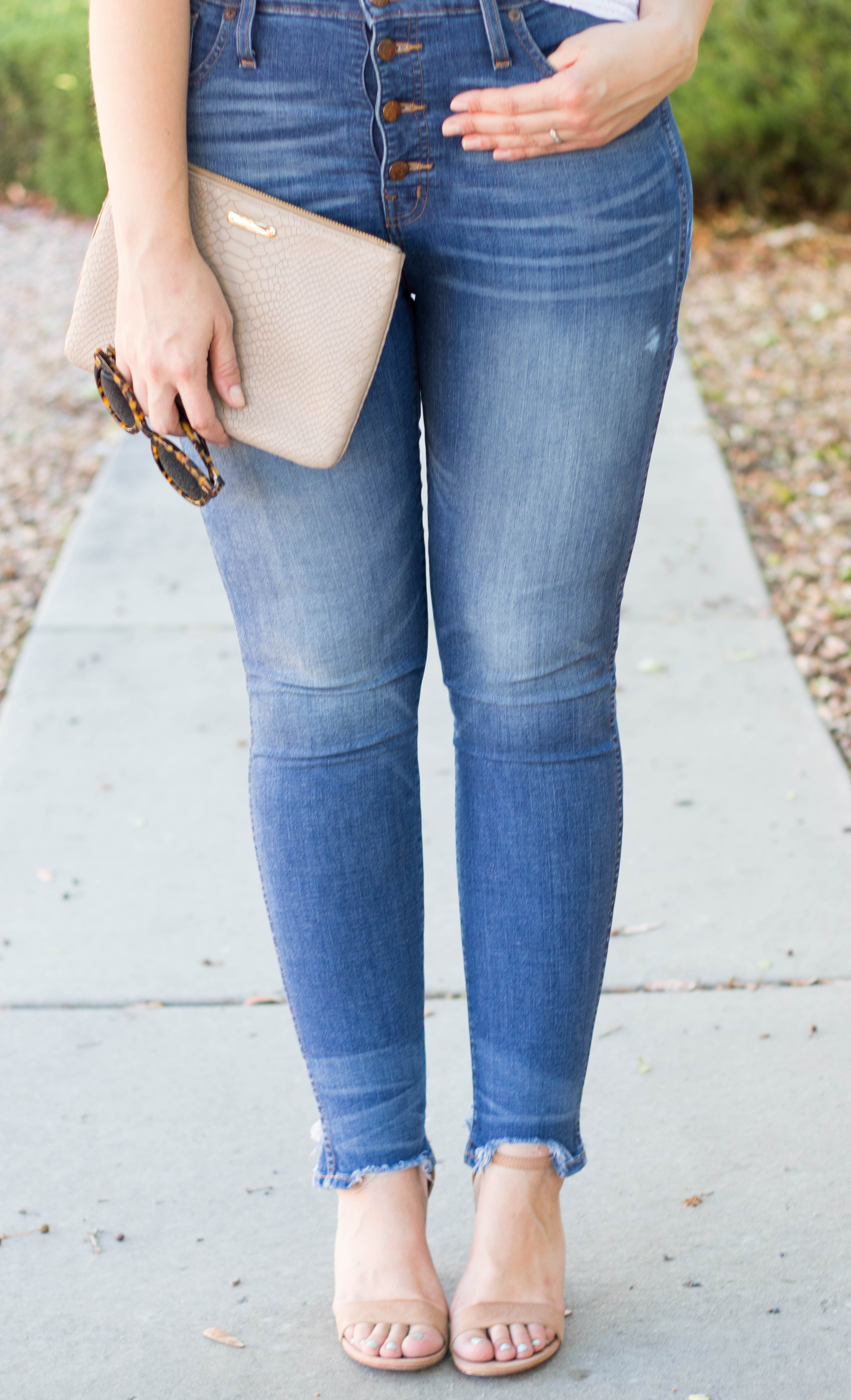 madewell high rise button fly denim #madewell #everydaymadewell #nudeheels