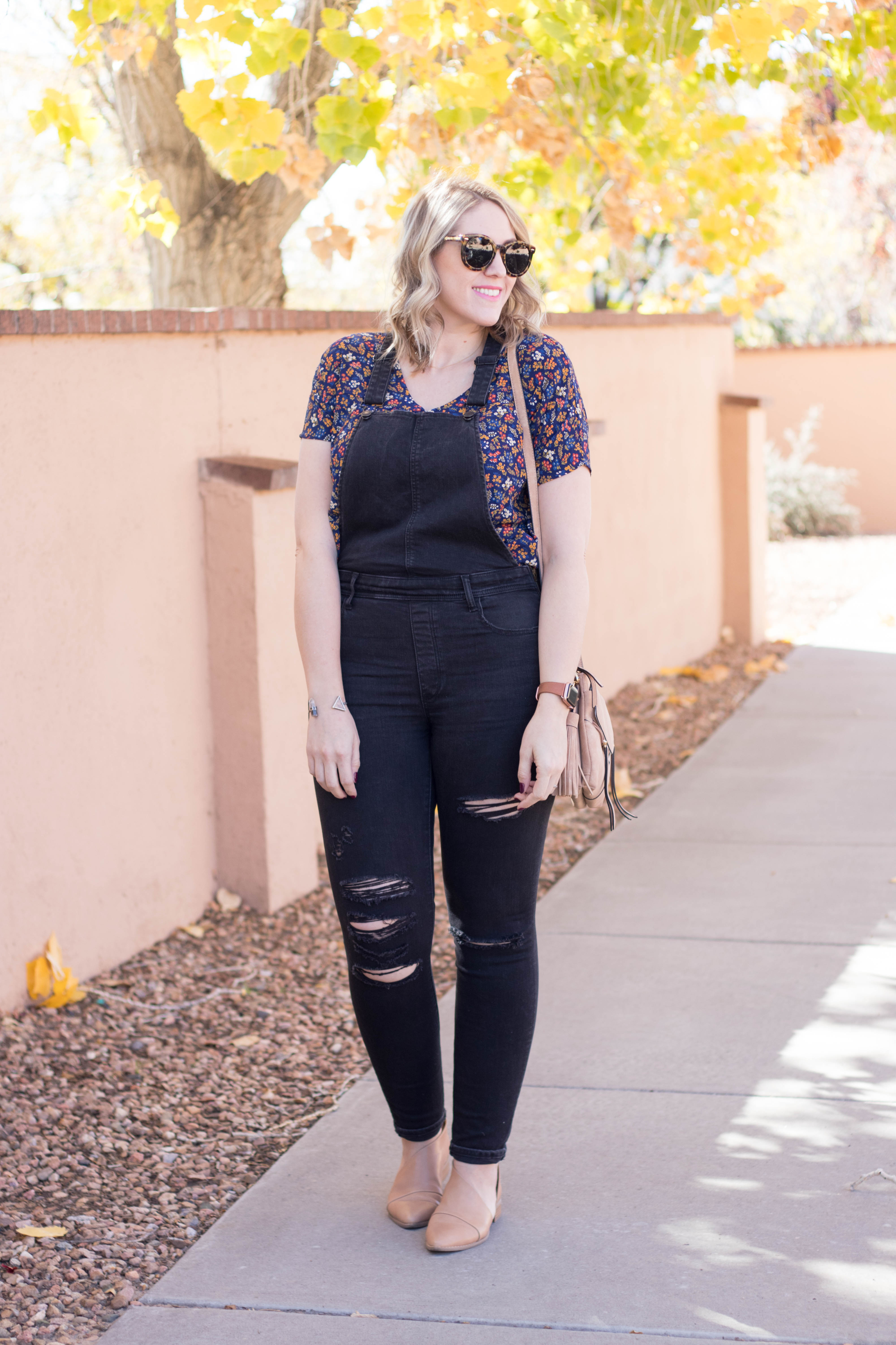 black overalls for fall outfit #fallstyle #fallfashion #madewell