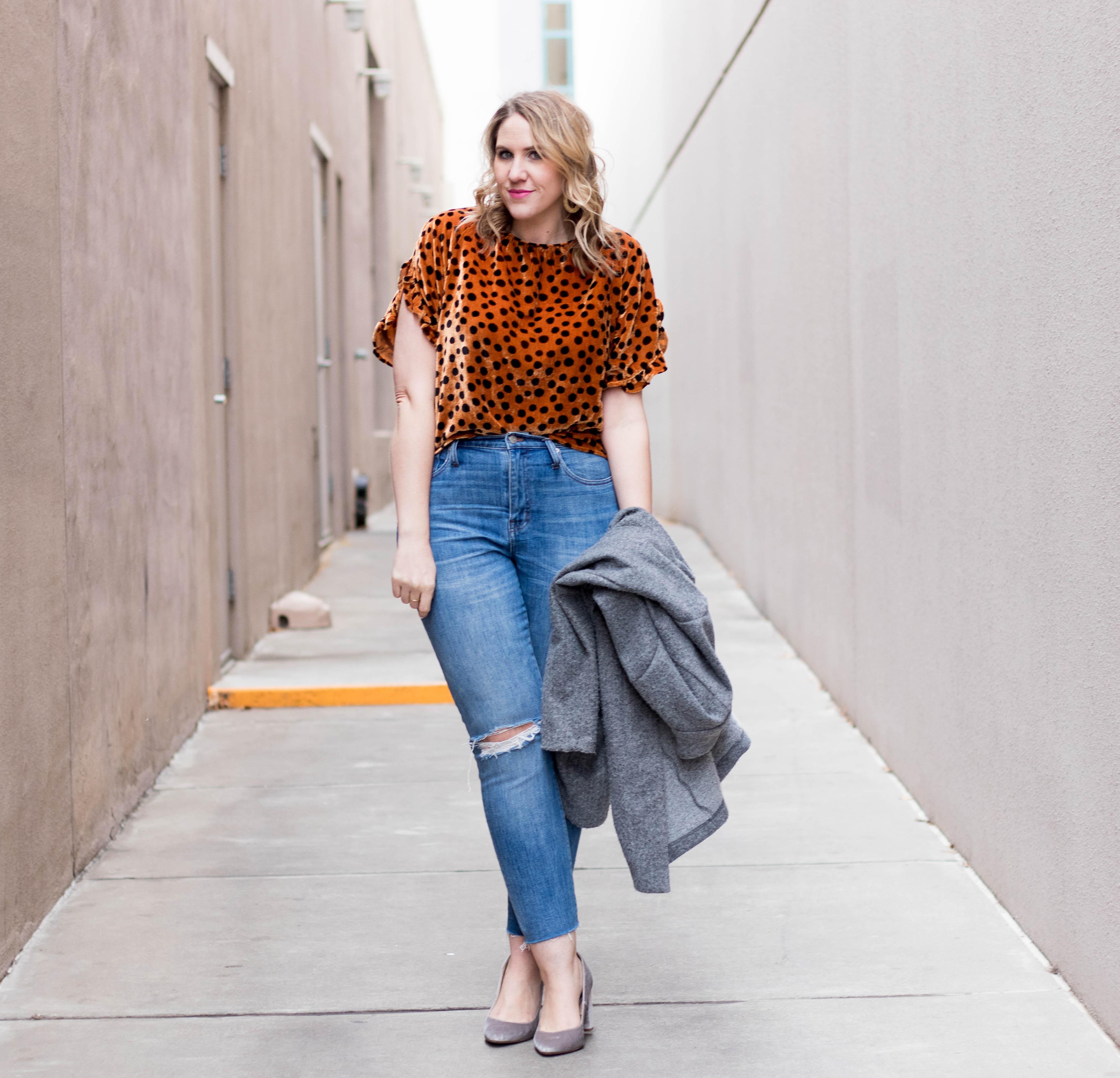 leopard print velvet top madewell #madewell #velvet #leopardprint #boyfriendjeans