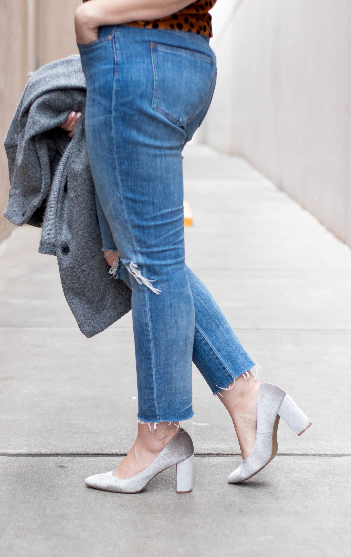 old navy velvet heels #velvet #distressedjeans #boyfriendjeans #tallfashion