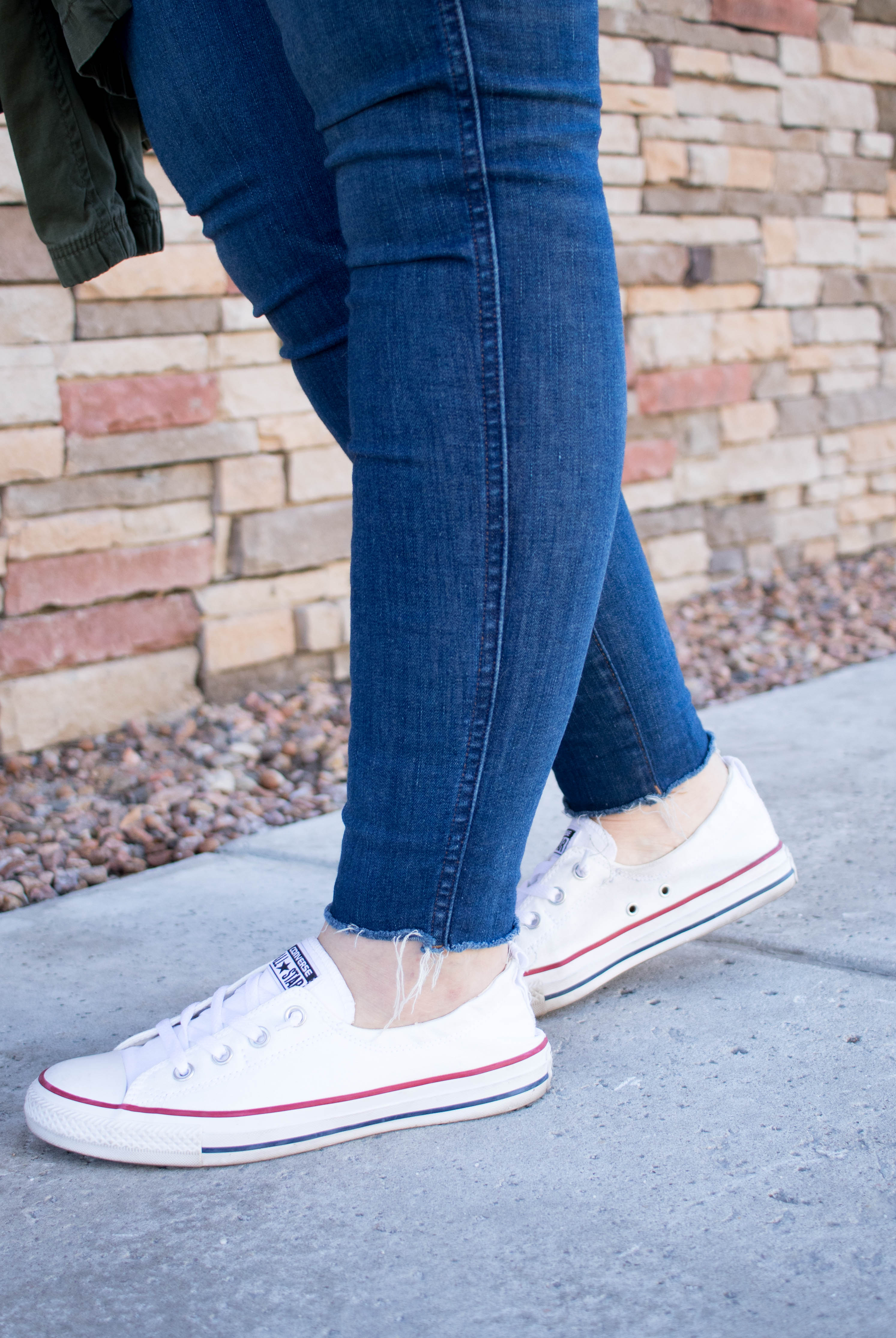 converse shoreline sneakers for spring #converse #sneakers #madewelljeans