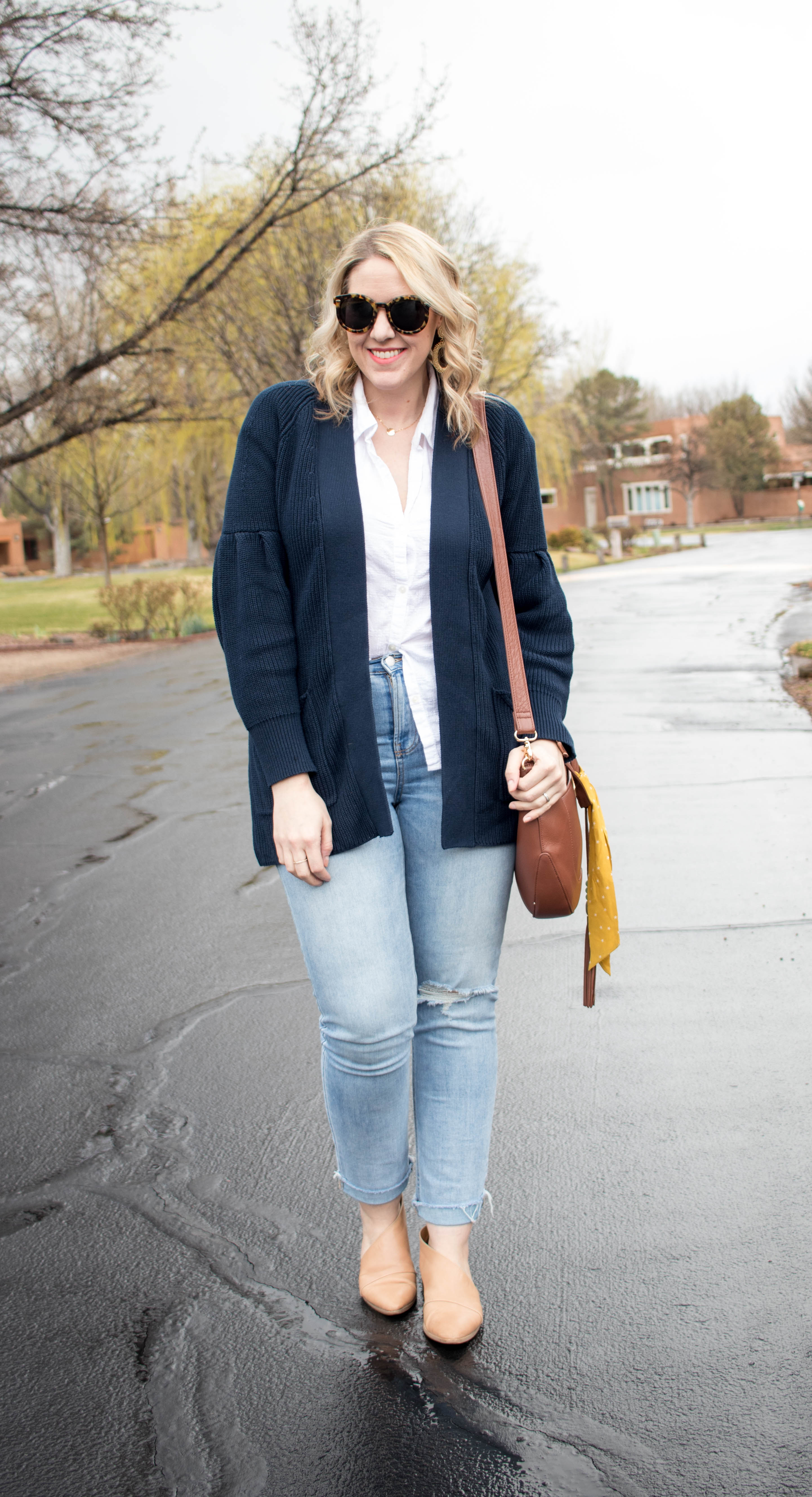 old navy spring outfit mom style #oldnavystyle #springfashion #styleblogger
