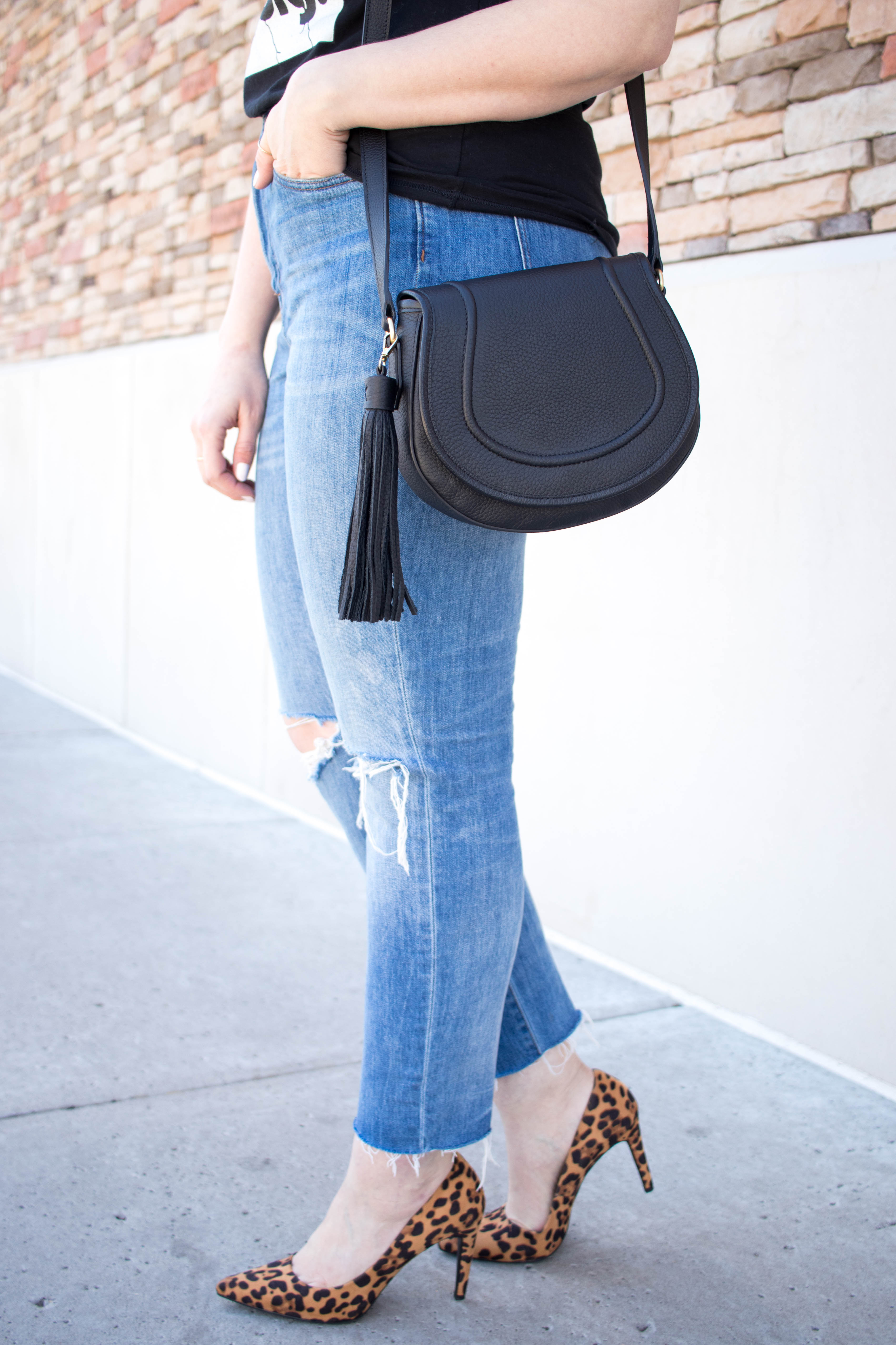 Gigi New York Jenni saddle bag #giginewyork #boyfriendjeans #leopardheels