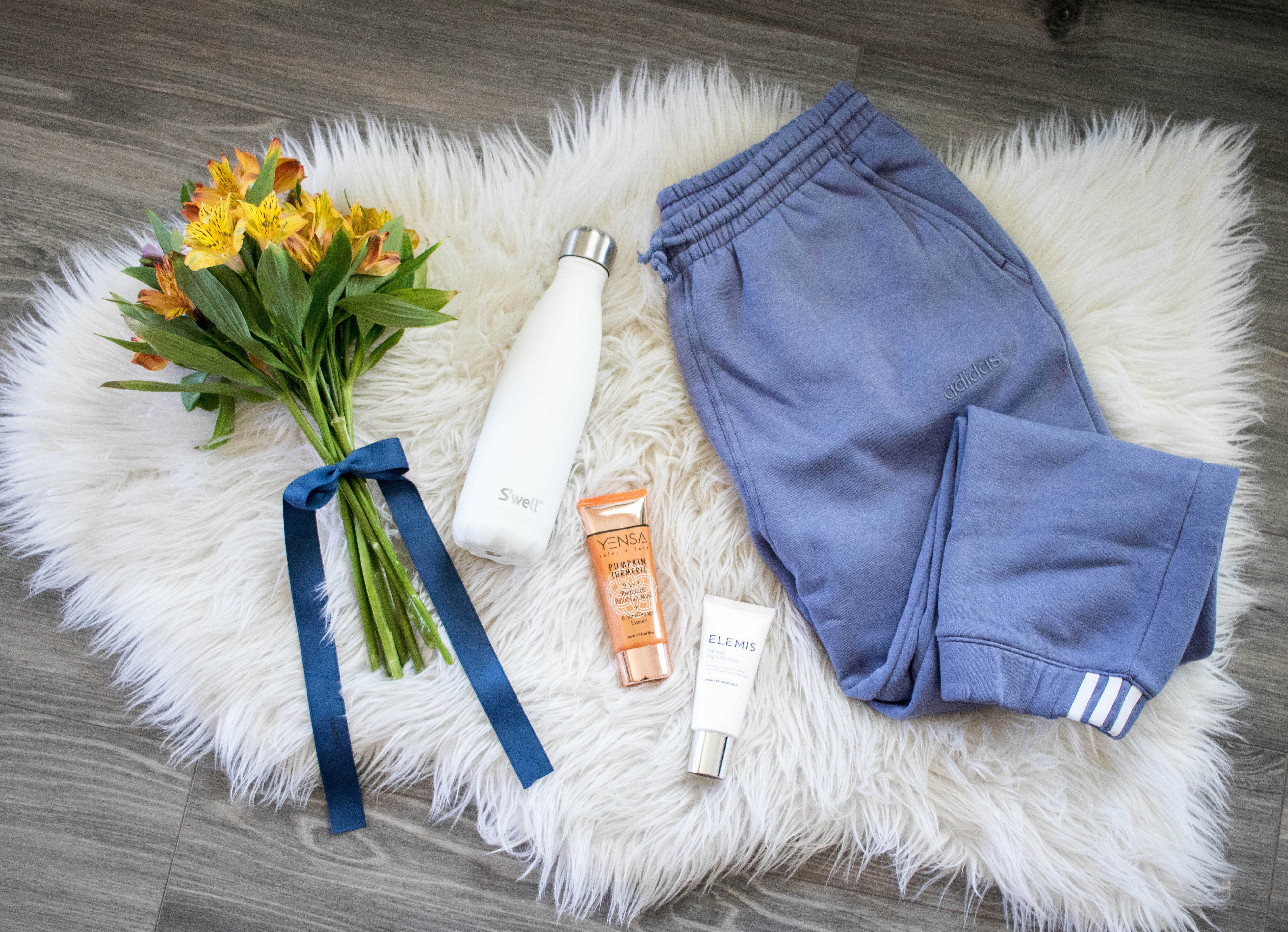 Mother's Day gift guide under $100 Adidas #mothersday #giftguide #adidas