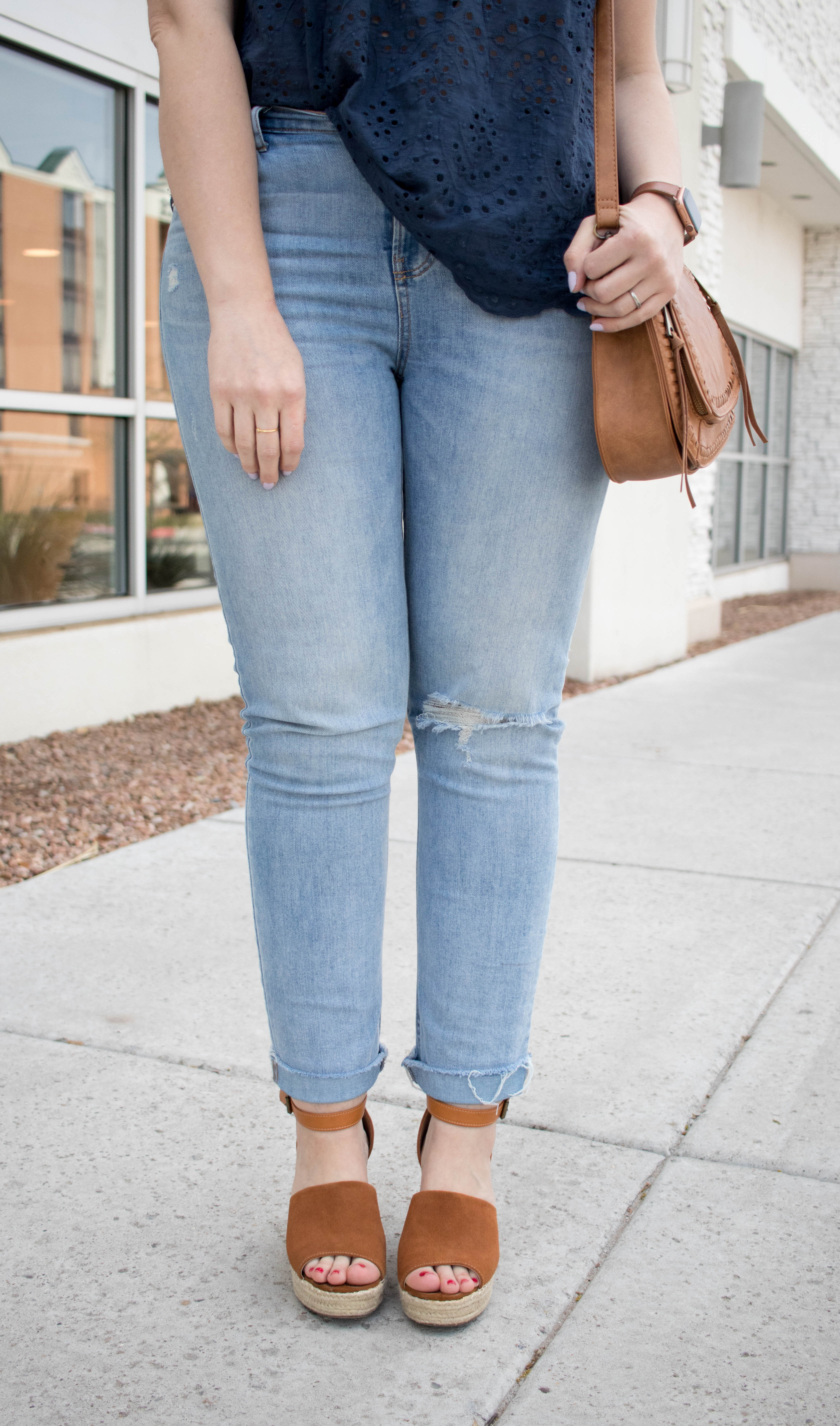 old navy power jeans outfit #oldnavy #oldnavystyle #boyfriendjeans