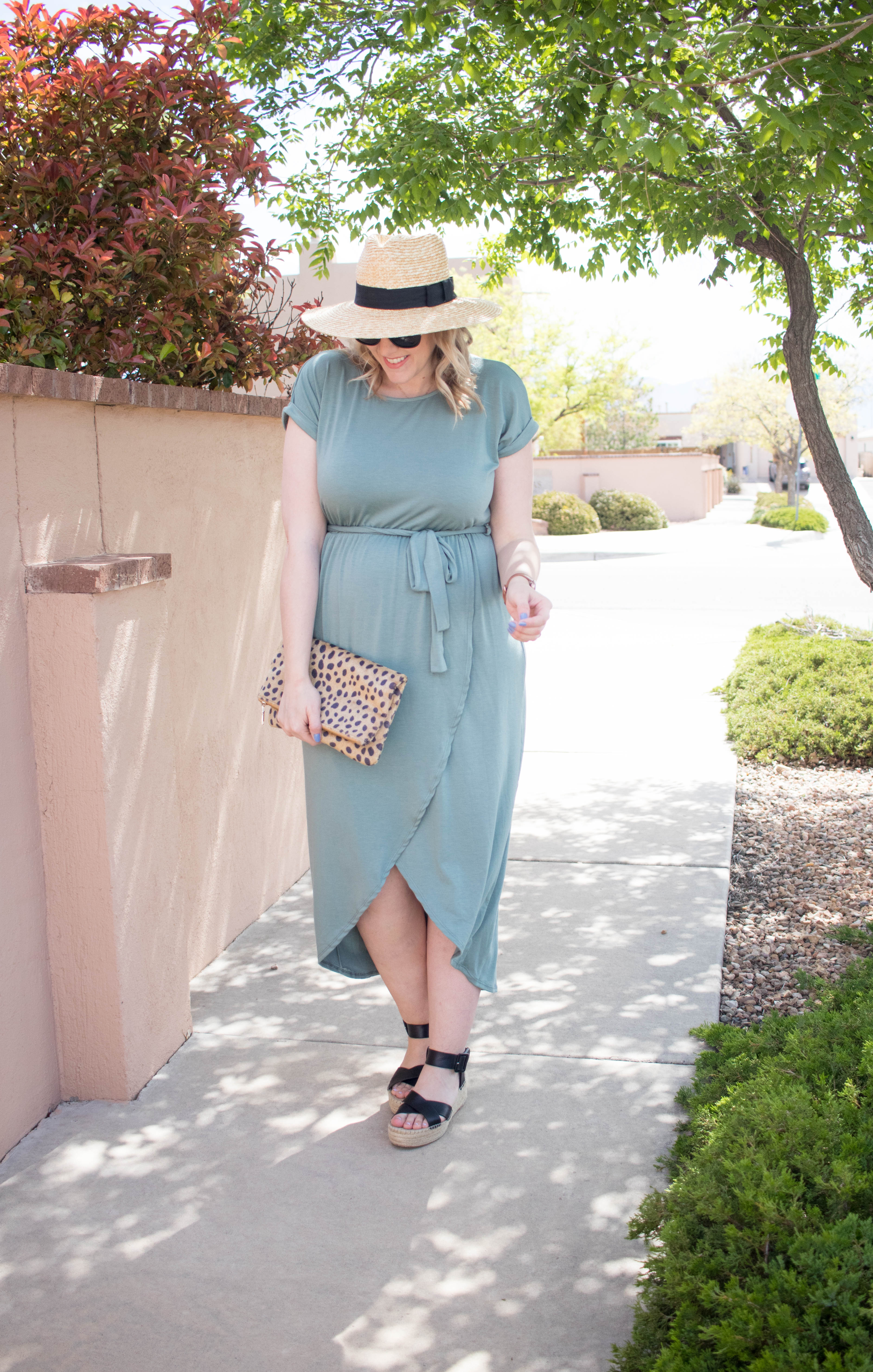 pregnancy style wrap dress outfit #pregnancystyle #bumpstyle #styleblogger