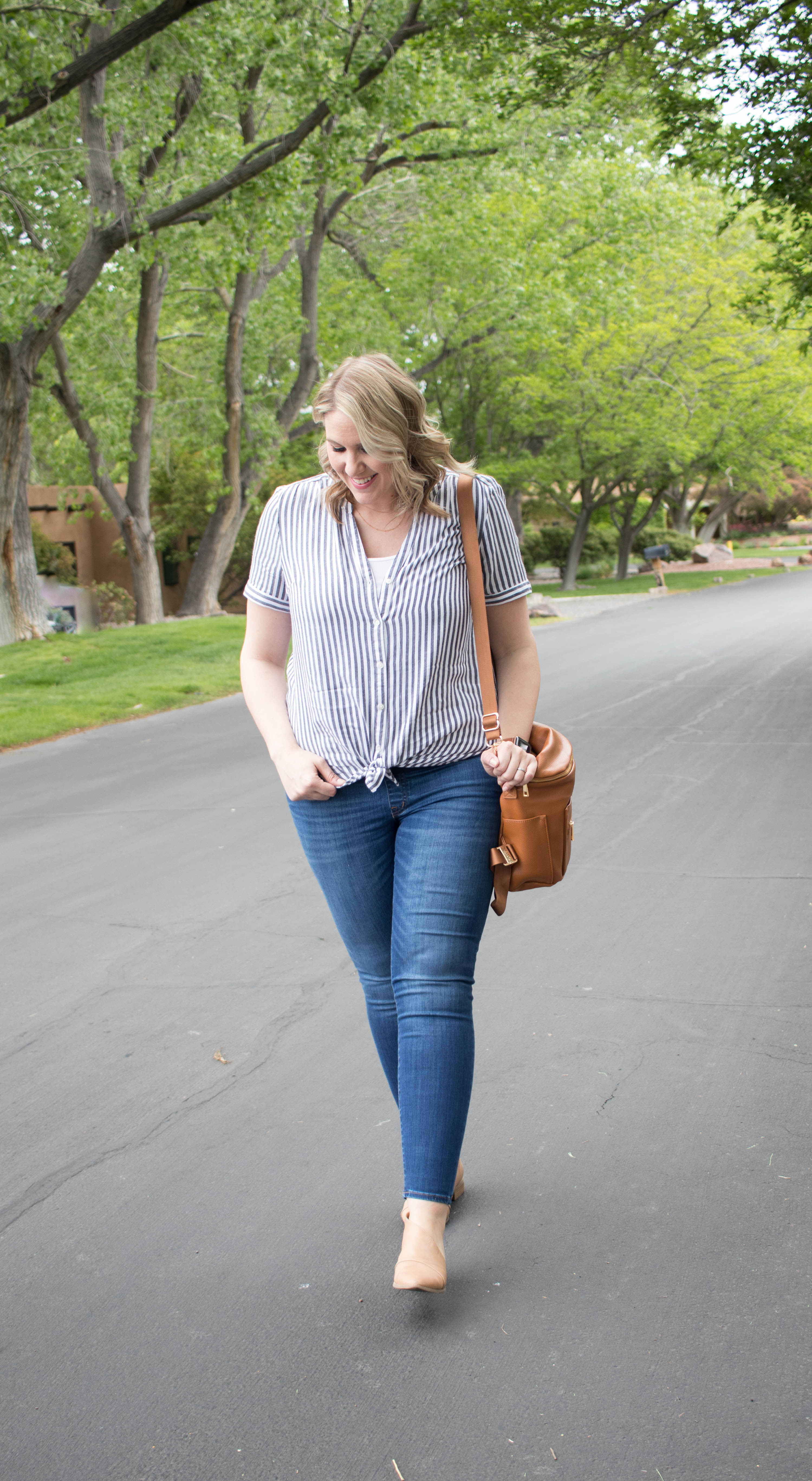 spring maternity style outfit #springstyle #maternityoutfit #bumpstyle