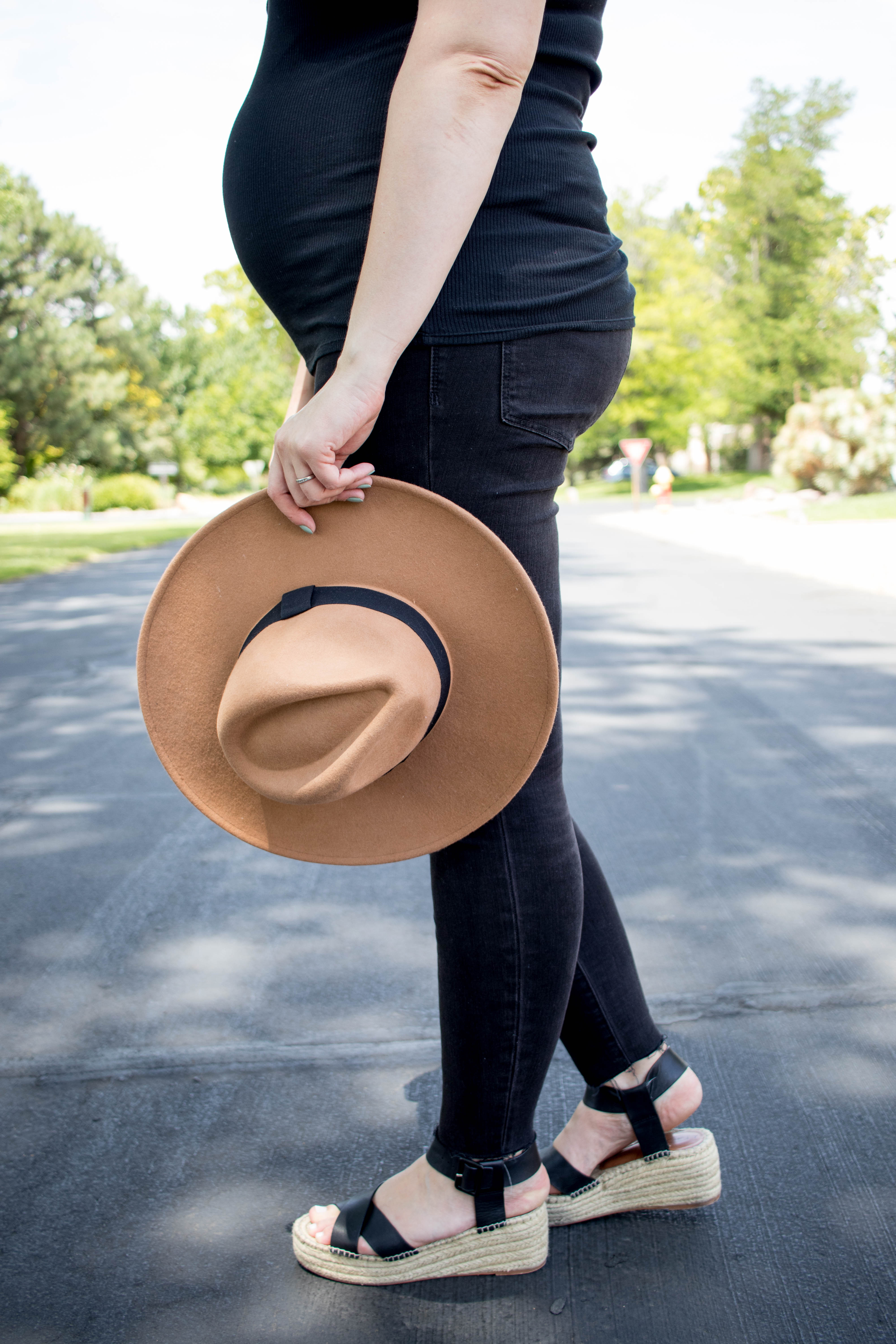 black maternity jeans madewell sole society #mysolesociety #everydaymadewell #maternityfashion #bumpstyle