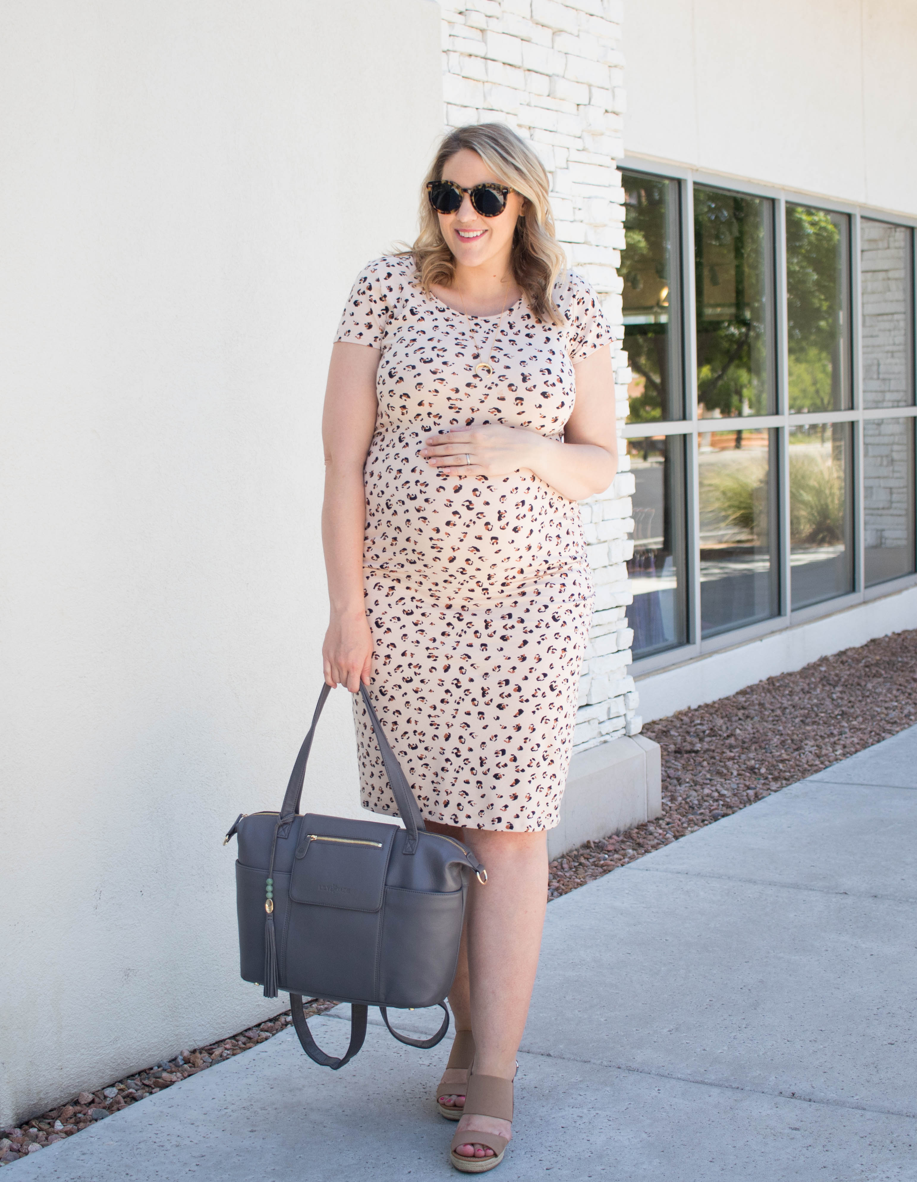 leopard print maternity dress target style #targetstyle #maternitystyle #pregnancy
