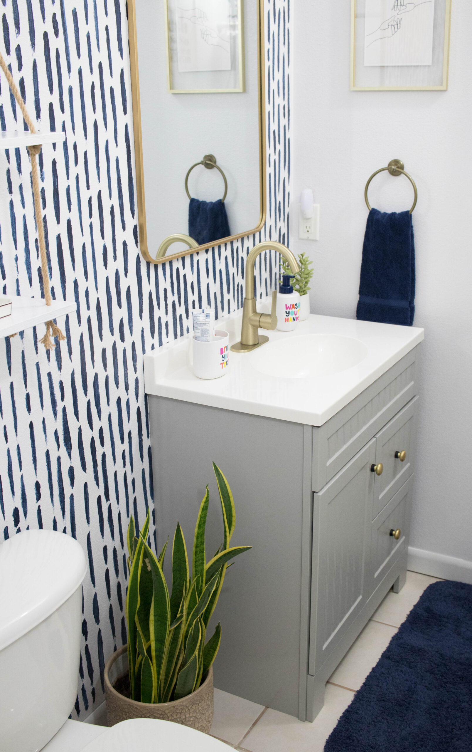diy guest bathroom refresh rustoleum