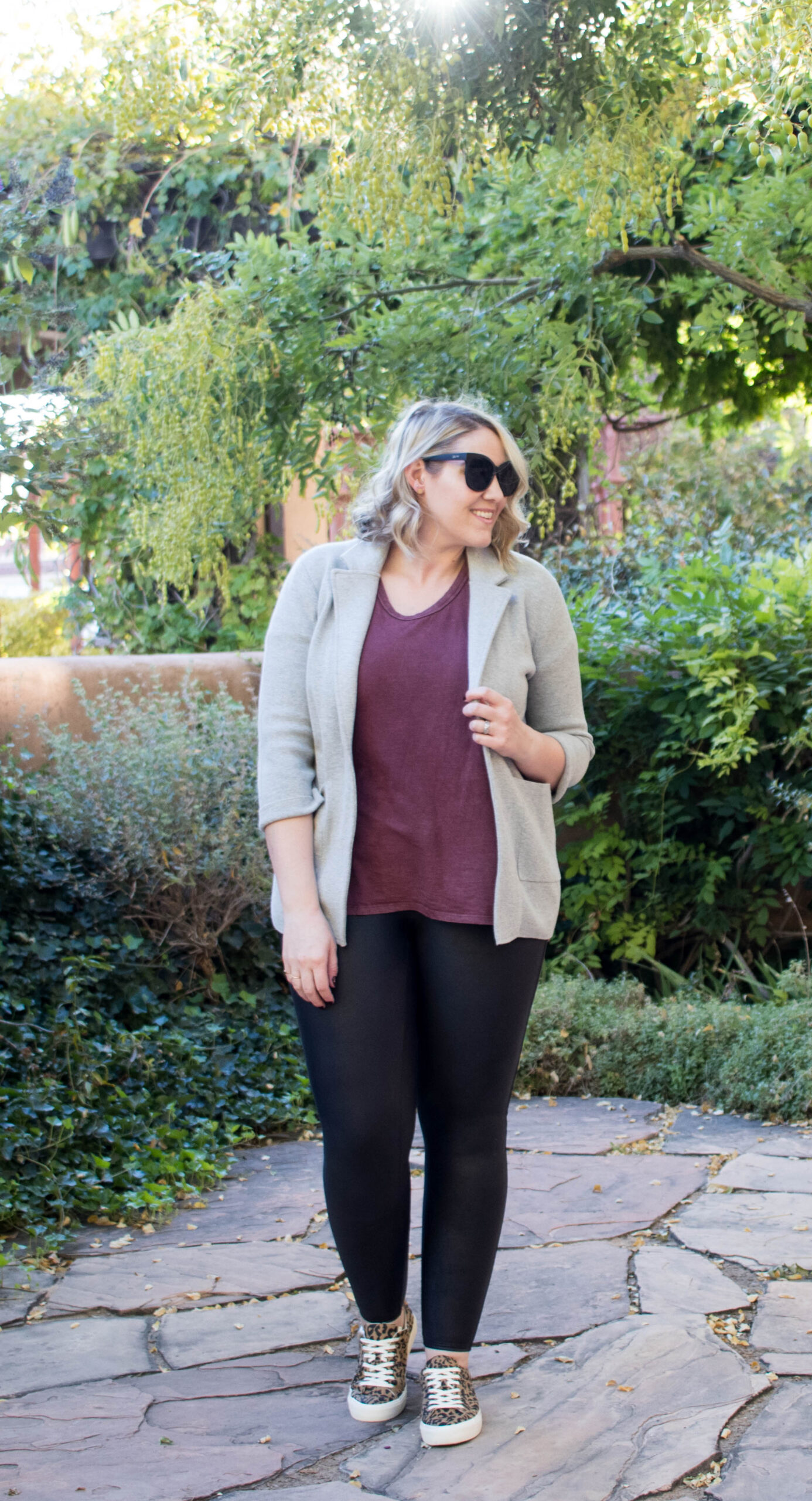 easy fall layers outfit spanx faux leather leggings #spanx #falloutfit #falllayers